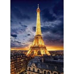 Nasvietená Eiffelova veža